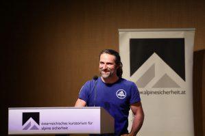 Alexander Huber beim Alpinforum ©Simon Rainer